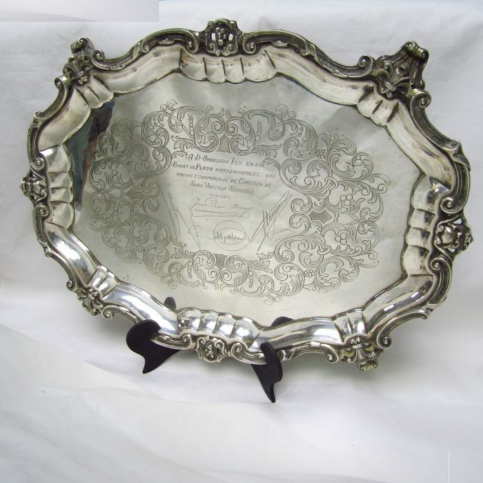 Engraved Oval Table Center. 1400 gr. - .915 silver - Spain - First half 20th century