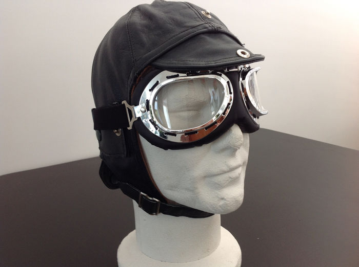 Clothing - Leather Helmet including Goggle Old style - 1930-1960