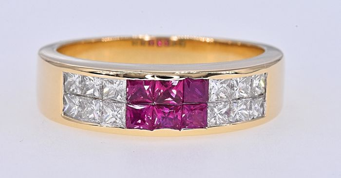 18 kt. Yellow gold - Ring - 1.82 ct Ruby - Diamonds