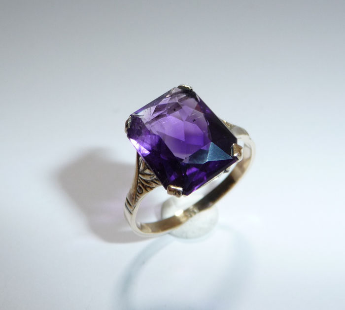 8 kt. Yellow gold - Antique ring - 3.20 ct. amethyst
