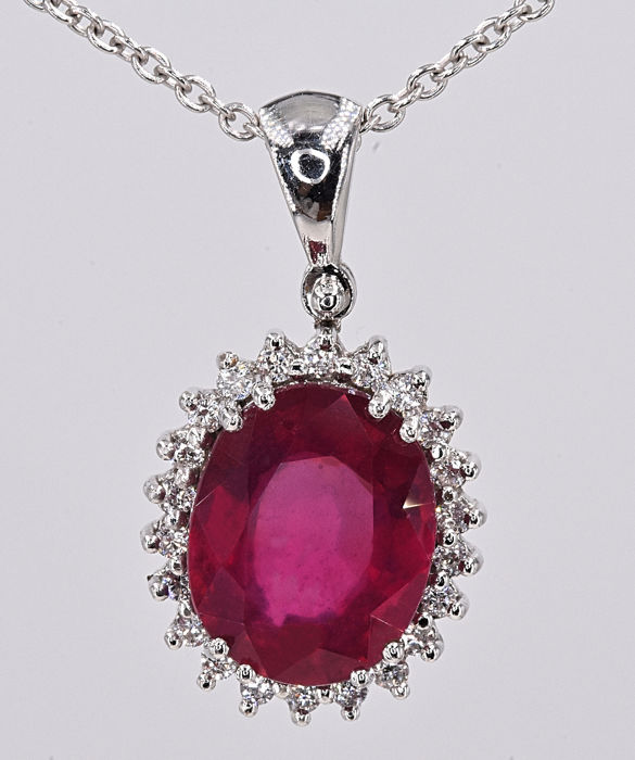 18 kt. White gold - Necklace - 2.62 ct Ruby - Diamonds