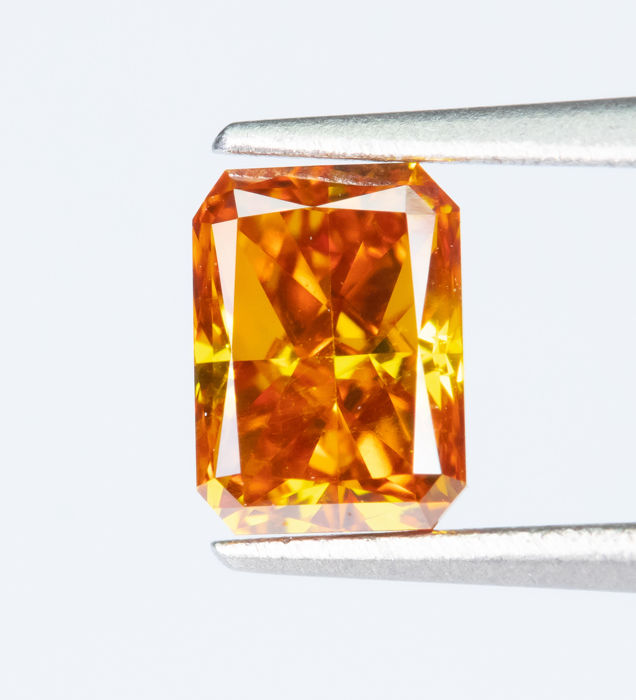 Diamante - 0.39 ct - Fantasía natural VIVID naranja-amarillo - VS2  *NO RESERVE*