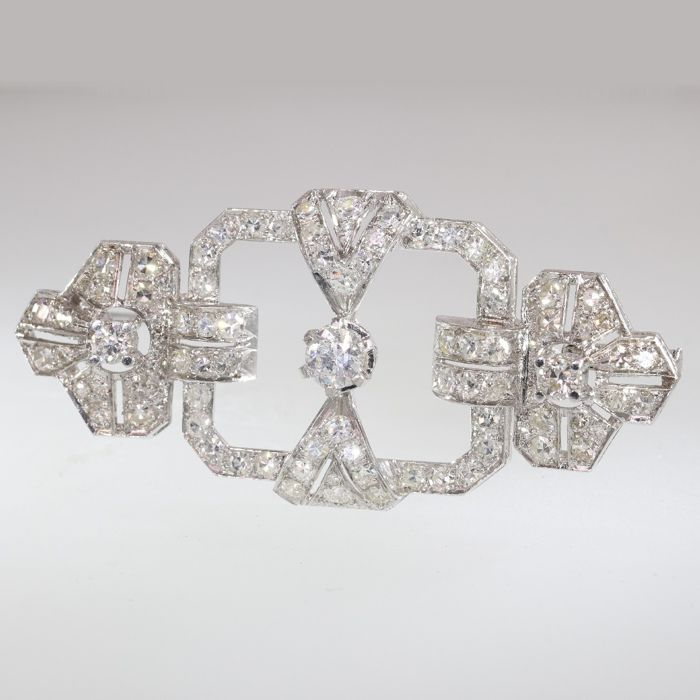 Platinum - Brooch, Impressive Art Deco style - Anno 1950 - Diamond - TDW 4.15ct. - NO RESERVE PRICE