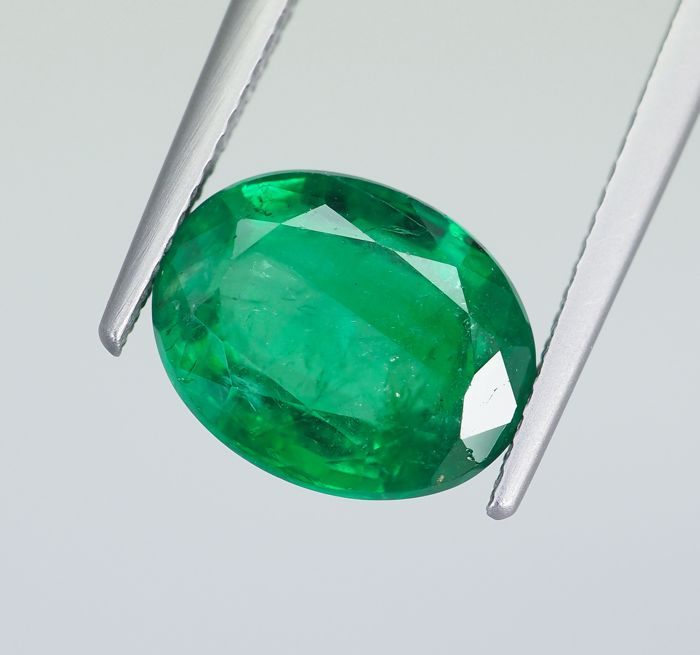 NoReserve - Intense Green Emerald - 4.07 ct