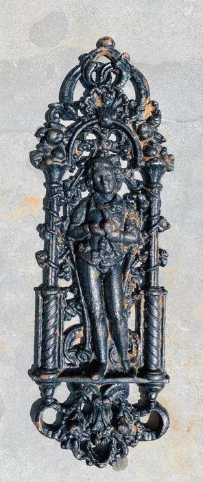 Ornate door ornament with a gentleman and bird - Iron (cast/wrought) - mid 20th century