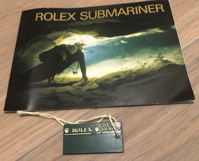 Rolex - SUBMARINER 1992  - BOOKLET and GREEN tag 1992 - Unisex - 1992
