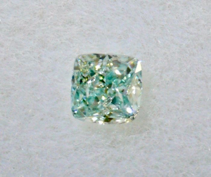 1 pcs Diamant - 0.07 ct - Coussin - fancy bluish green - SI1, ***laser engraved***