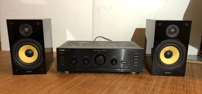 Akai, Sony - Am27 en Ss-CG1 - Amplifier, Speaker set