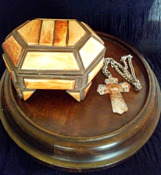 Relic Box - Kruis (2) - Doos van hoorn of been en messing - Murano-glaskruis