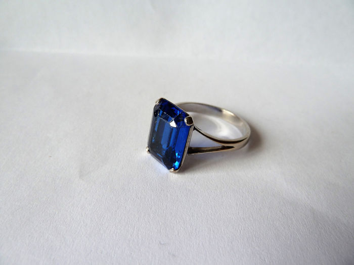 18 carats Or - Bague spinelle bleu cobalt