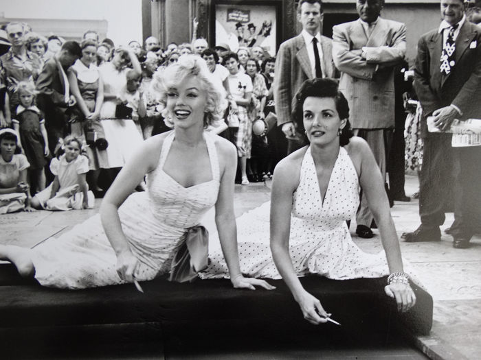 Peter Borsari (1939-2006) - Marilyn Monroe & Jane Russell, Grauman's Chinese Theatre, Hollywood, 1953