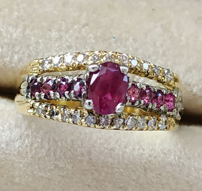 18 kt. Yellow gold - Ring Rubies and Diamonds