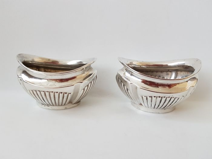 Two matching silver salt cellars - .925 silver - England - 1909 , 1962