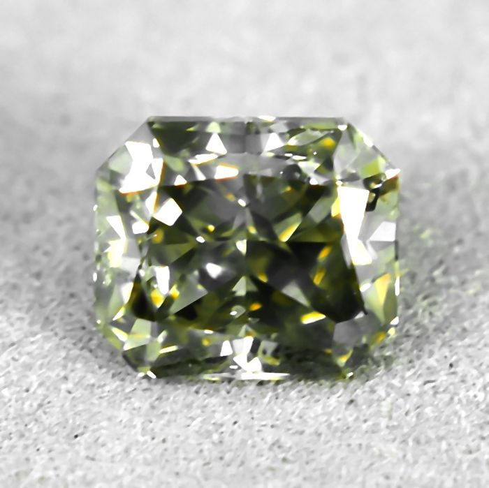Diamond - 1.02 ct - Radiant - Natural Fancy Light Yellowish Grey - SI2