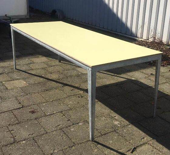 Piet Hein - Dining table