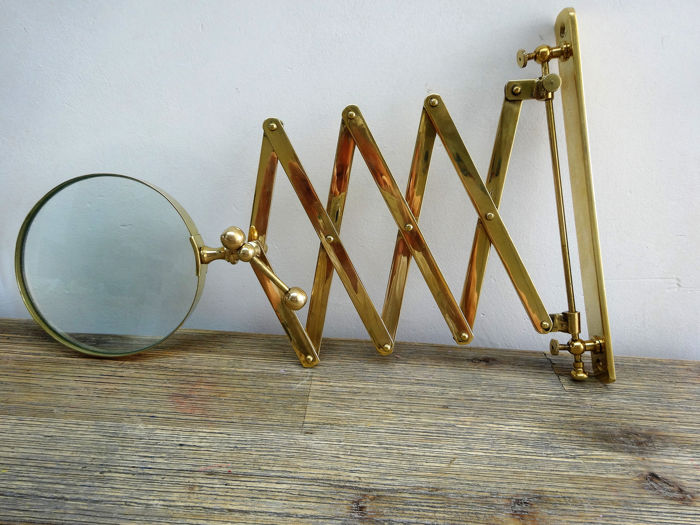 Magnifying glass with scissor arm - Magnifier - Brass, Glass