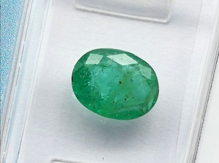 """No Reserve"" - Bluish Green Emerald - 1.55 ct"
