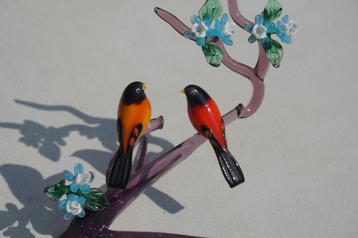 antique birds on a branch with flowers - Glas