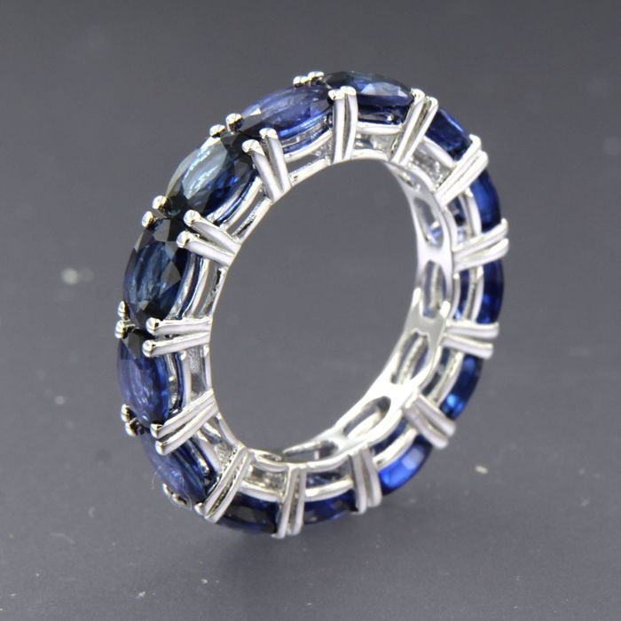 18 karat Hvitt gull - Ring - 6.40 ct Safir