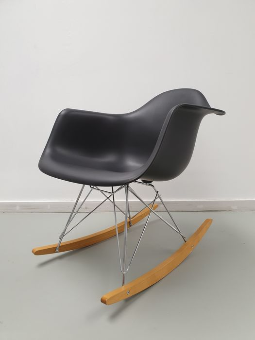 Awesome Charles Eames Ray Eames Vitra Rocking Chair 1 Rar Catawiki Unemploymentrelief Wooden Chair Designs For Living Room Unemploymentrelieforg