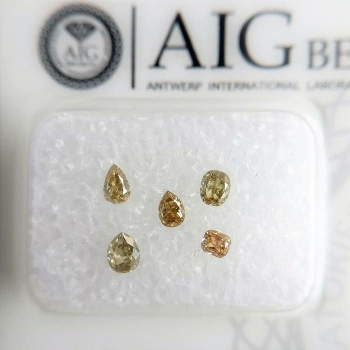 5 pcs Diamonds - 0.44 ct - Mixed Shapes - mixed color - VS1-SI2