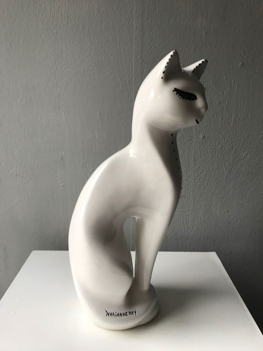 Marianne Bey  - Arti 4  - chat (1)
