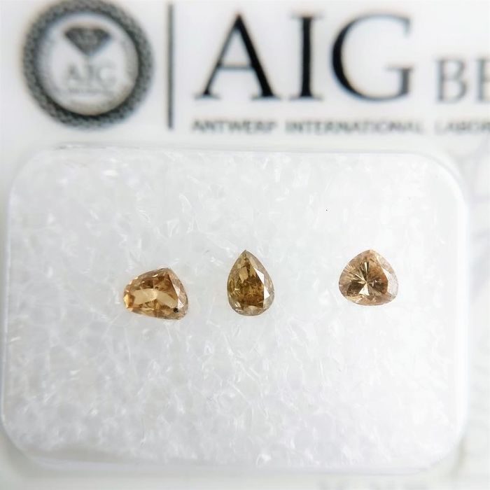 3 pcs Diamanten - 0.33 ct - Birne - mixed color - VVS2-SI2