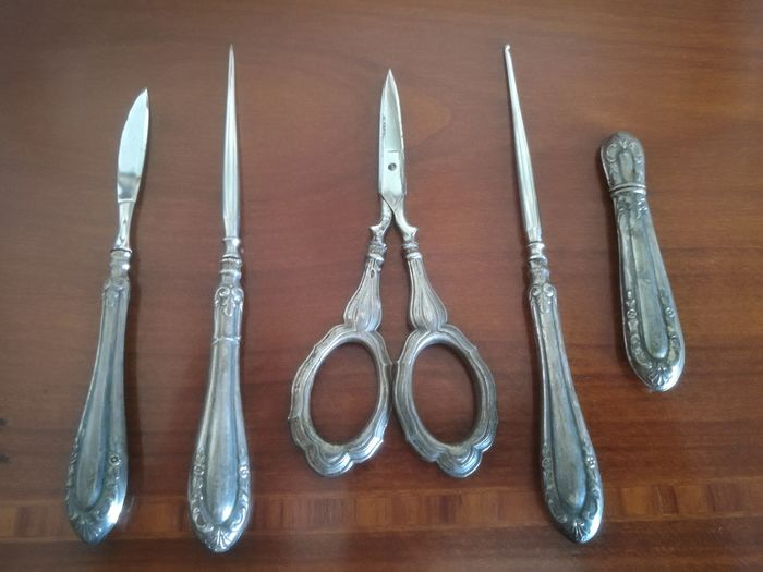 Sewing set (5) - .800 silver - Italy - First half 20th century