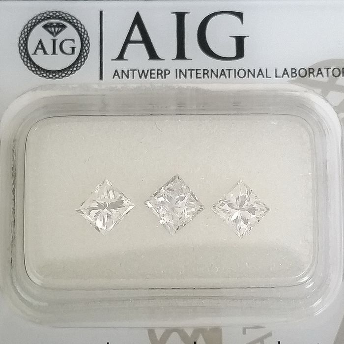 3 pcs Diamonds - 1.20 ct - Princess - E, F, G - SI2, SI3, ***No Reserve Price***