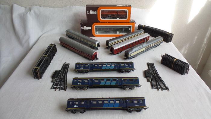 Lima H0 - 9039/9120/a.o. - Freight carriage, Passenger carriage, Tracks - 10 different wagons - DB, NS, SBB-CFF