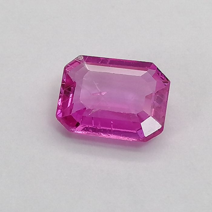 Pink Sapphire - 0.95 ct