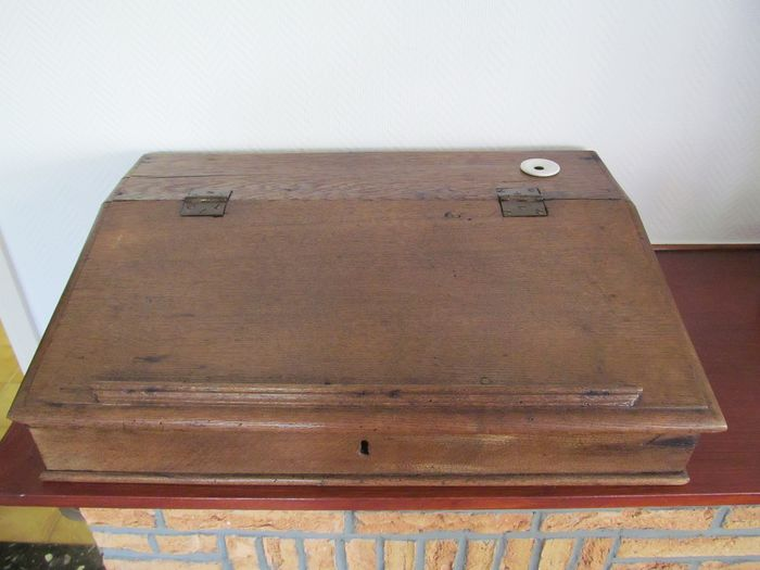 Antique oak writing box with porcelain inkwell - Oak