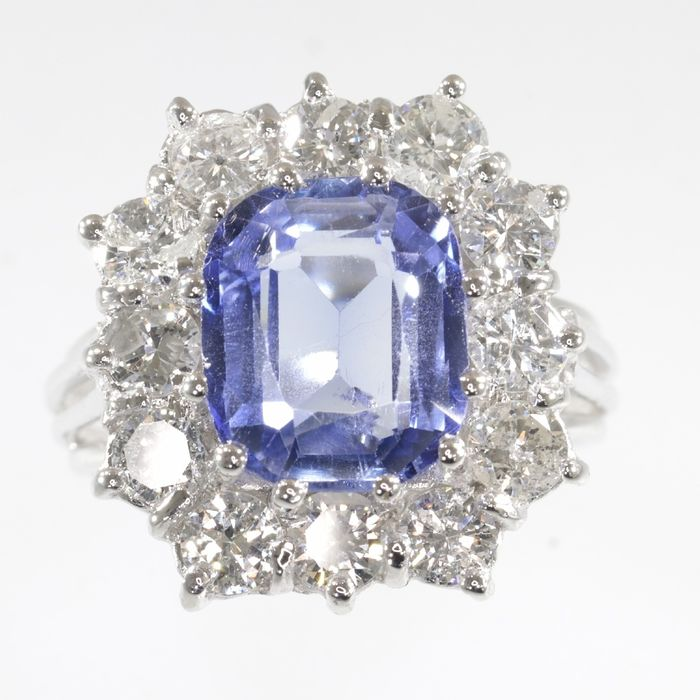 18 kraat Hvidguld - Ring, Vintage cluster top - Anno 1975 - 5.20 ct Safir - Diamanter, TDW - 2,00 ct - INGEN RESERVESPRIS