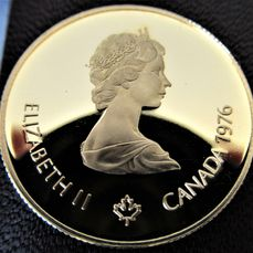 1976 CANADIAN PROOF LIKE DOLLAR WITH BOX