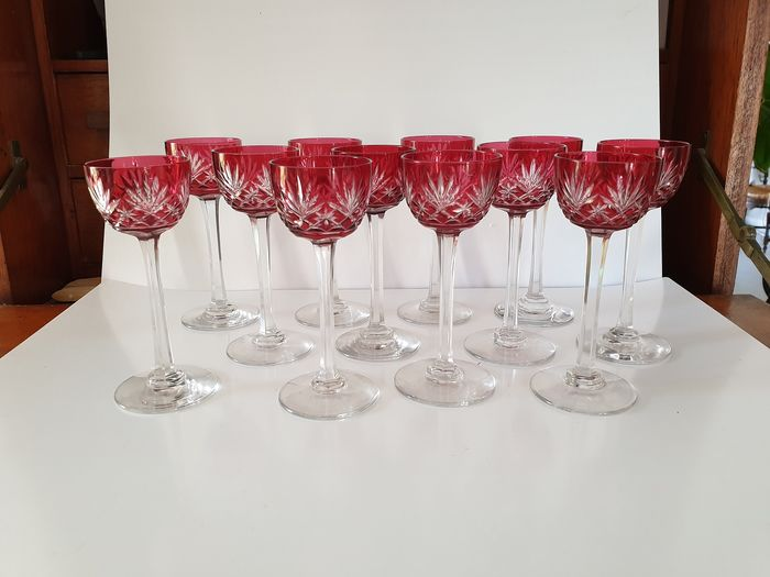Saint Louis - 12 glasses of cut crystal liqueur and 'Massenet' red lined - crystal