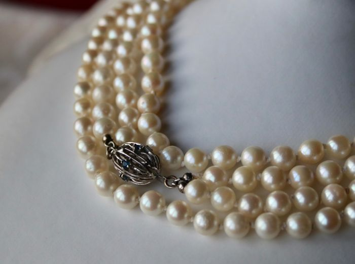 14 kt. White gold - 2-row and (77gr) long Necklace with genuine sea/salty  Japanese Akoya pearls ø 6.5-6.7mm - Sapphires - Professionally re-knotted