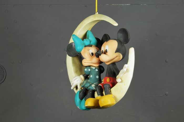 Disney - Beeld - Mickey & Minnie Mouse on the Moon