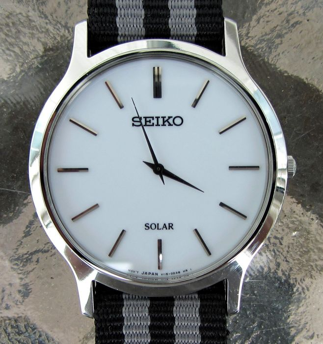 Seiko - Solar slim minimalist dress watch 3 x Bands - SUP873P1 - Men - 2011-present