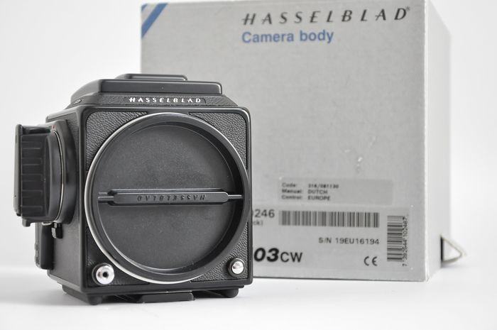 Hasselblad 503CW (Near Mint/as New) and Acute Matte Grid Focusing Screen w/ Split Prism 42170
