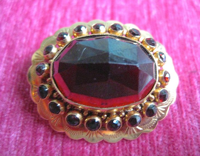 14 carats Or - Broche Grenat