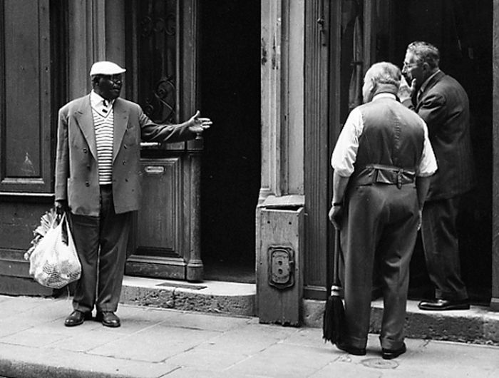 Kees Scherer (1920-1993) - Chat with the neighbors - Paris 1957