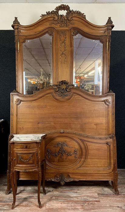 Bedroom Louis XV style - quality stamped - Walnut - Second half 19th century