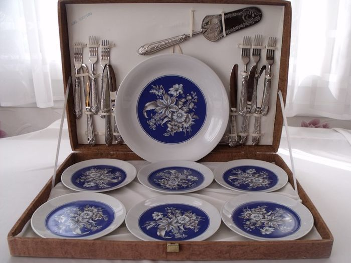dessert service + cutlery - Italy - porcelain and silver metal