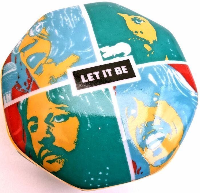 "Franklin Mint - © 1992 Apple Corps Limited™ - The Best of The Beatles ""Let It Be"" - Fine porcelain Music Box - 24 Carat gold accents - Extremely Rare"
