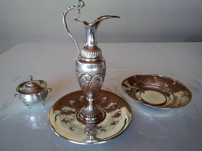 Centerpiece, Dish, Pitcher, Sugar caster (4) - .800 silver, .925 silver - Italy - Late 20th century