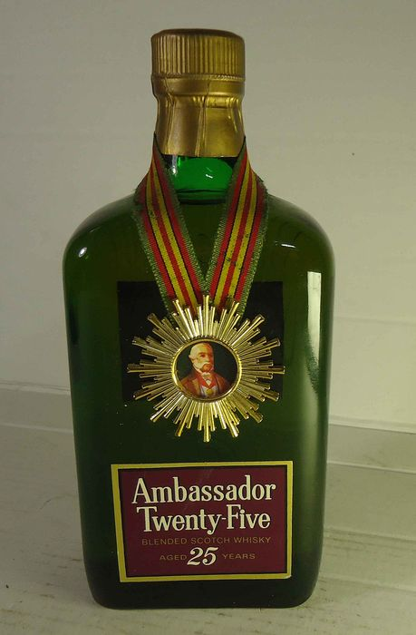 Ambassador 25 years old - b. 1970s - 75cl