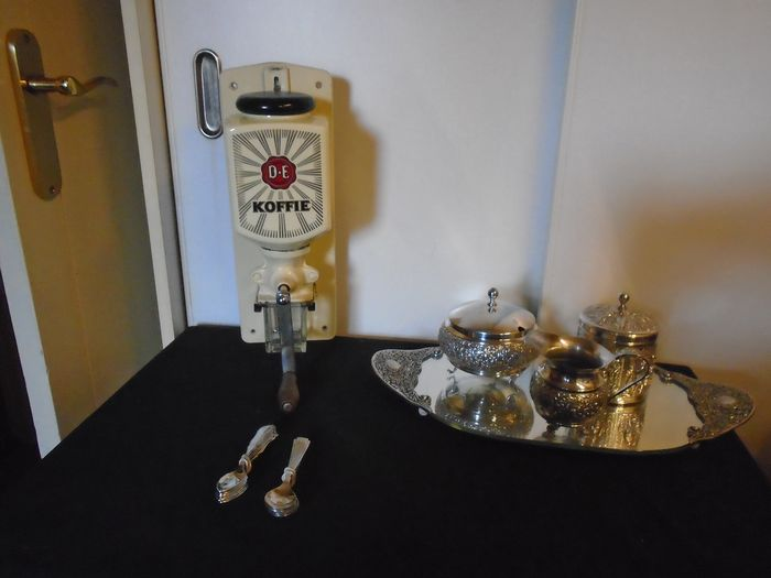 Douwe Egberts coffee grinder + spoons + cream set + tray (7) - Wood + iron + porcelain + silver-plated