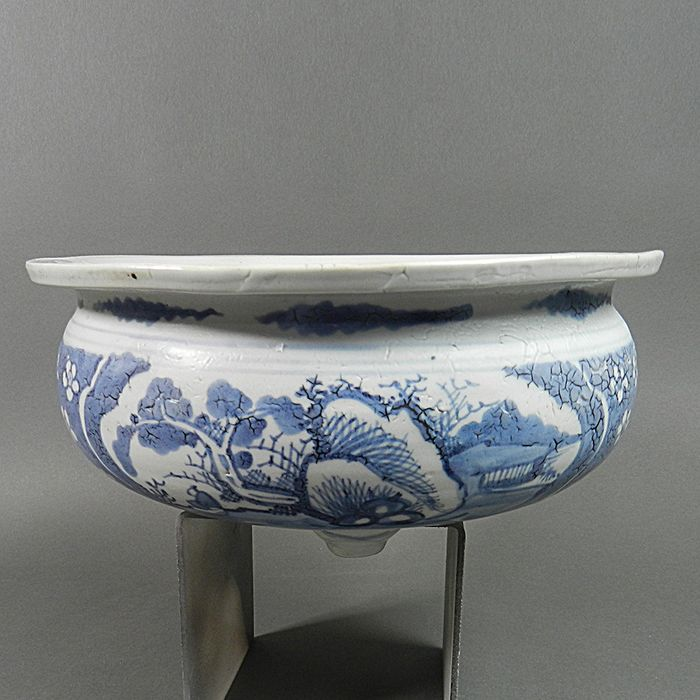 Censer - Blue and white - Porcelain - Japan - Beginning of the period EDO, XVIIth century