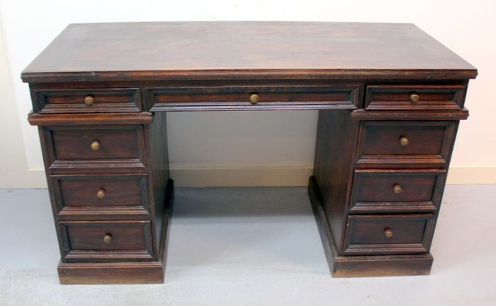 Classic desk with 9 drawers - solid mahogany wood - Late 19th century