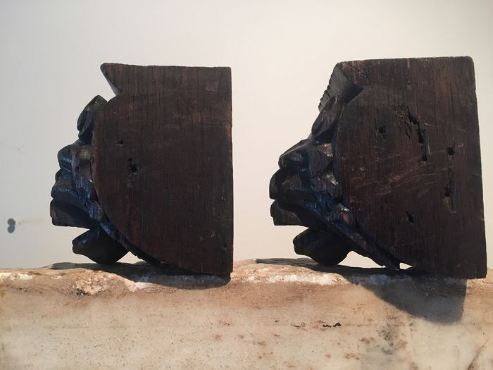 pair of corbels - Oak - Early 17th century - Catawiki